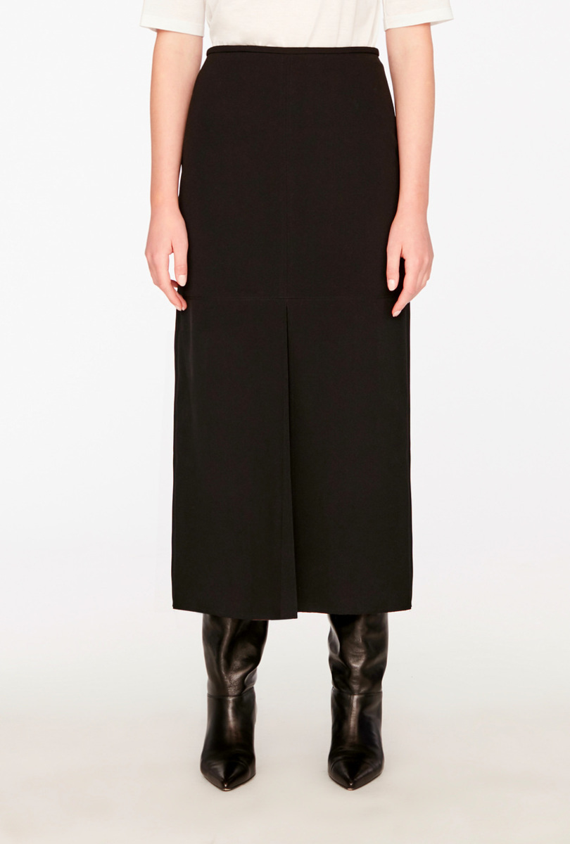 Longuette skirt with slit
